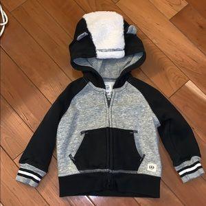 GAP Shirts & Tops - EUC Baby Gap Skunk Sweatshirt